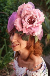 Cancer fund rising at the Brisbane races, 2012. This headpiece won the first prize.