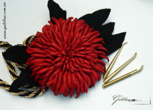 Leather chrysanthemum made with Japanese irons
